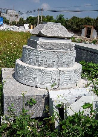 Mộ đá hình tròn 005