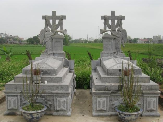 Mộ đá công giáo 004