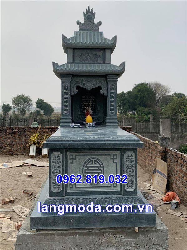 Mẫu mộ đá đẹp hai mái xanh rêu tại Thái Bình