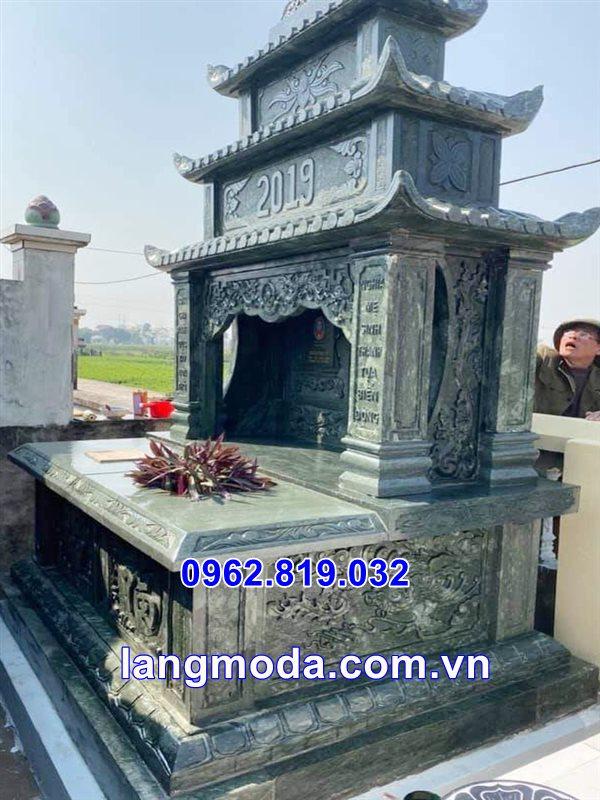 Mẫu mộ đôi đẹp bằng đá xanh rêu tại Thái Bình