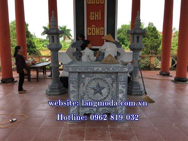 bàn thờ bằng đá
