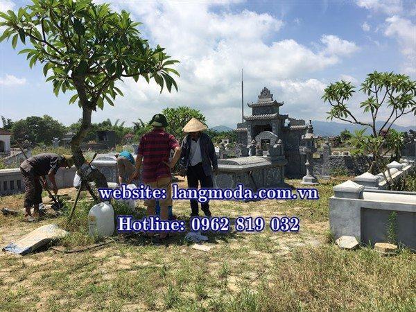 Lắp đặt mộ đá khối tại Nghi Xuân- Hà Tĩnh