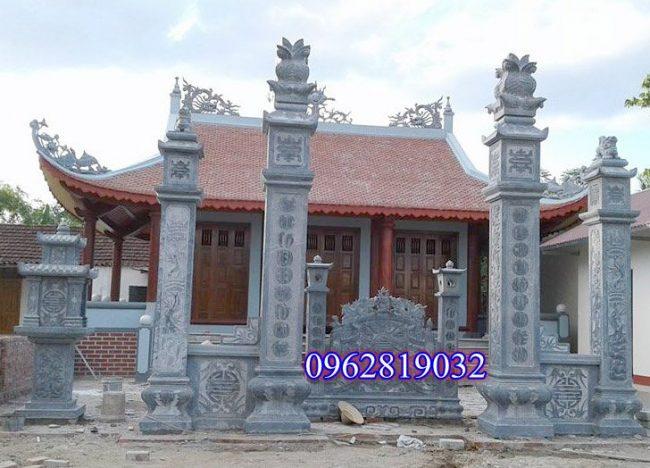 Cổng tam quan đá nhà thờ họ
