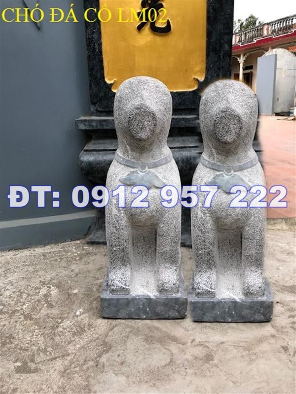 Mẫu tượng chó đá dùng chấn yểm trong nhà thờ họ, từ đường