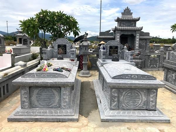 """Một mẫu mộ đôi cho hai vợ chồng, Nỗi băn khoăn """"có nên xây mộ trước"""" cho người đang sống"""