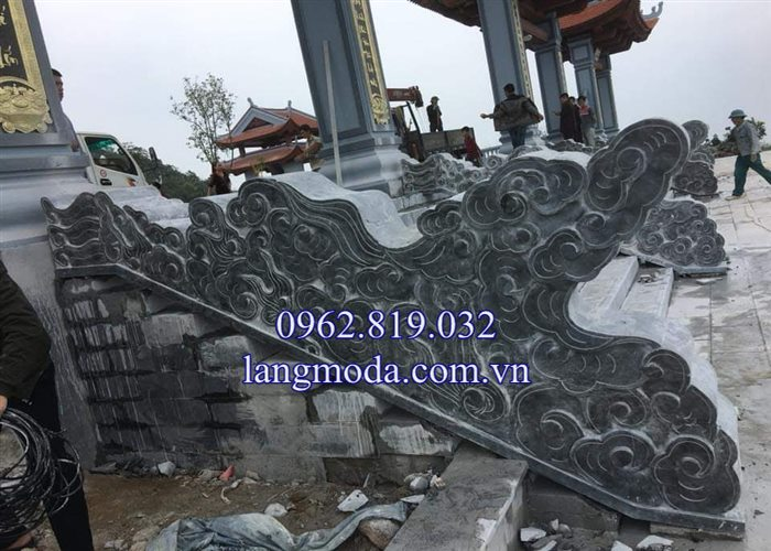 Mẫu lan can rồng mây đá bậc thềm tam cấp nhà thờ họ đình chùa