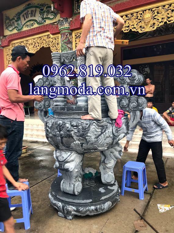 Lắp đặt lư hương đá xanh tại Chùa Long Hoa Cổ Tự Sài Gòn