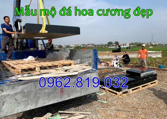 Hình ảnh lắp đặt mộ đá hoa cương nguyên khối tại Hà Nội