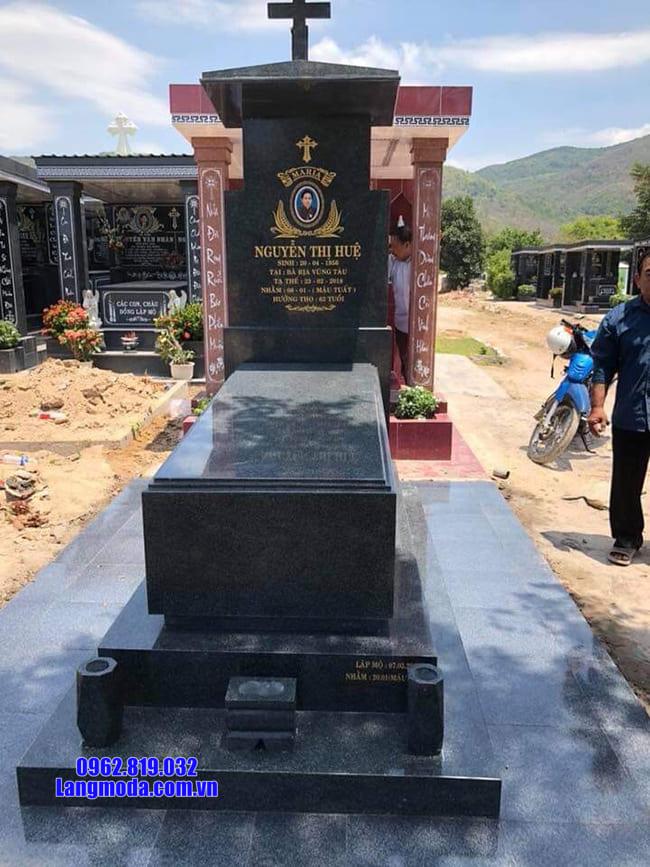 mẫu mộ của người theo đạo bằng đá đẹp nhất