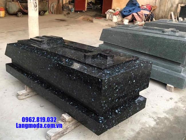 mẫu mộ của người theo đạo bằng đá
