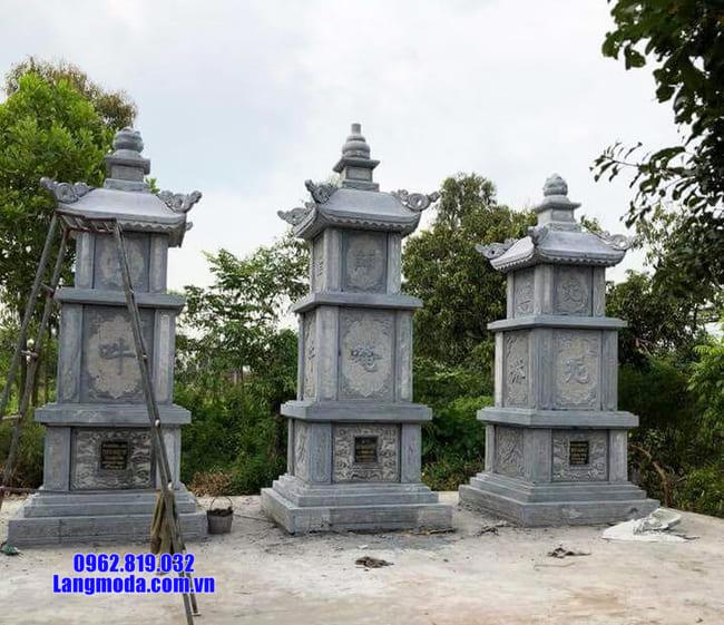 Mẫu mộ tháp được làm bằng đá xanh Thanh Hóa