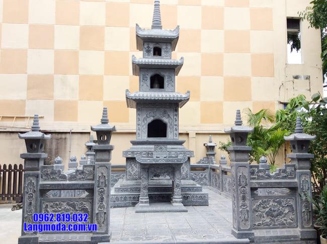 mộ tháp được làm bằng đá xanh Thanh Hóa
