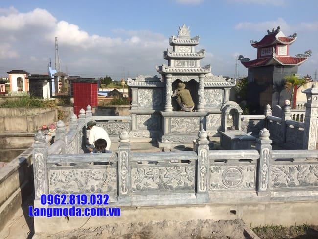 khu lăng mộ đá tại Hòa Bình