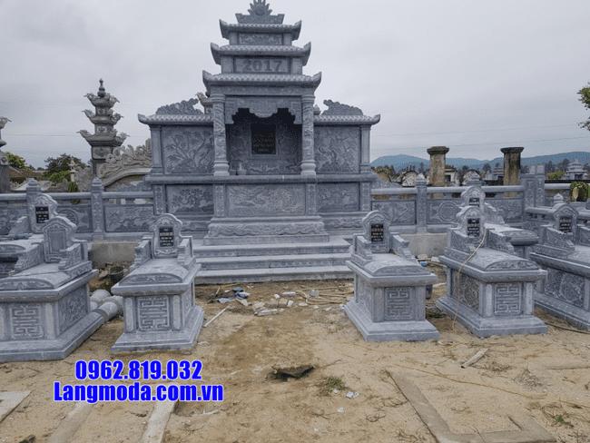 khu lăng mộ tại Hòa Bình