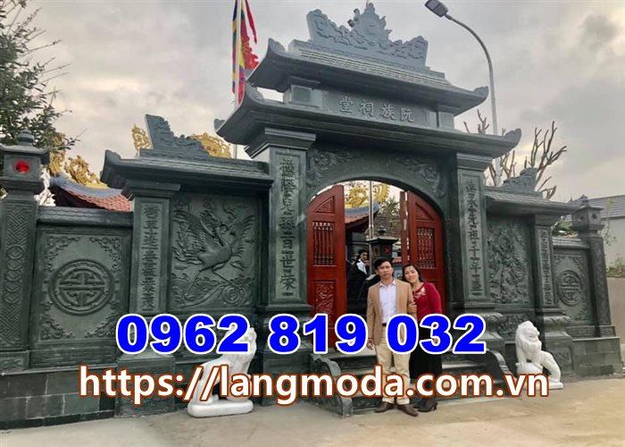 12 mẫu cổng nhà thờ họ đẹp bằng đá xanh rêu Hà Tây Hà Nội