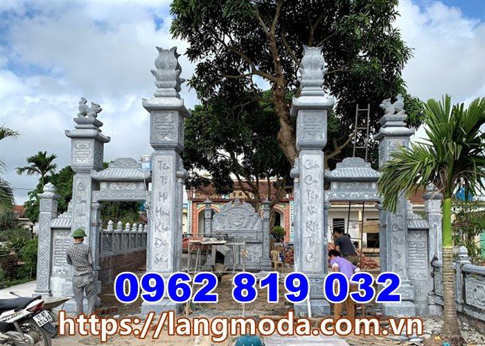 Cổng đình làng bằng đá tại quảng Ninh