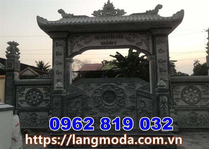 Cổng nhà thờ họ bằng đá tại quảng Ninh