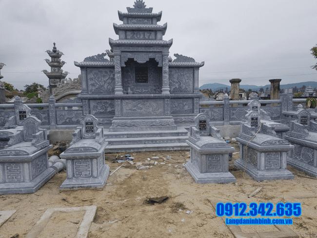 khu lăng mộ đá đẹp tại Đồng Tháp