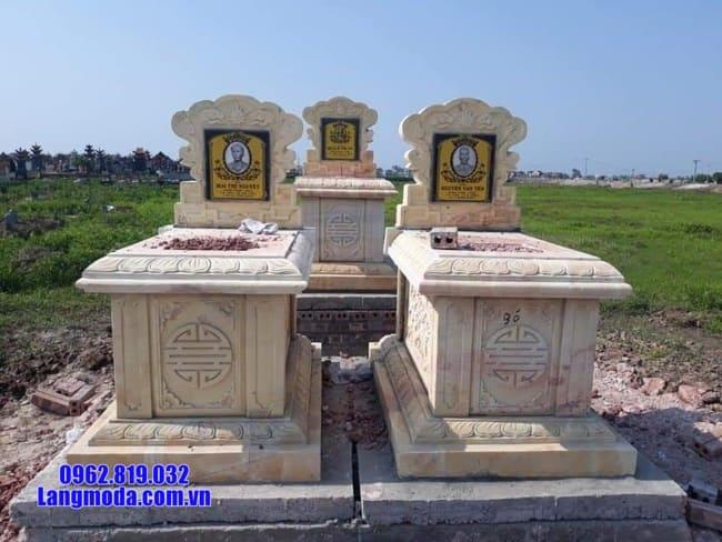 mộ đôi bằng đá vàng tại Bến Tre