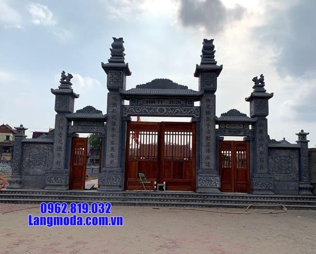cổng tam quan bằng đá tại Long An