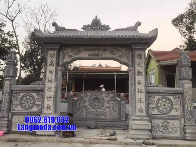cổng tam quan bằng đá tại bạc liêu