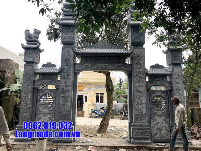 cổng tam quan bằng đá tại cà mau