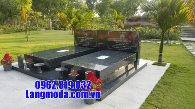 mộ đôi bằng đá hoa cương tại An Giang