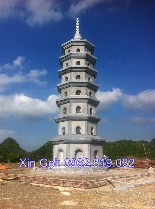 mộ tháp bằng đá đẹp để thờ hũ tro cốt tại Quy Nhơn