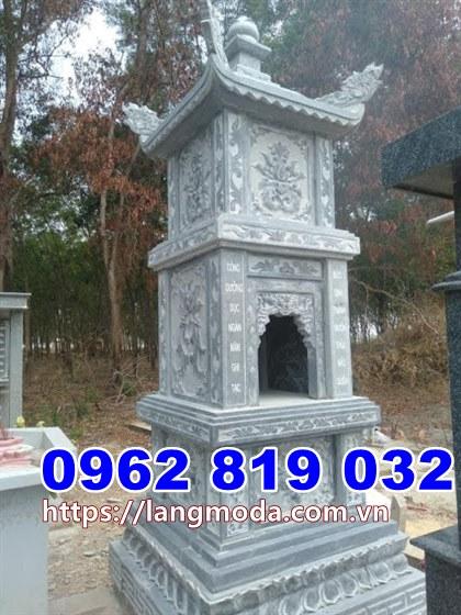 Tháp mộ để hũ tro cốt bằng đá tại Tiền Giang