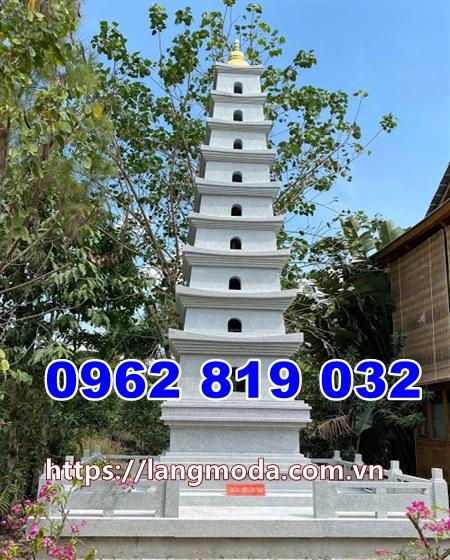 Xây tháp mộ để hũ tro cốt bằng đá trắng tại An Giang