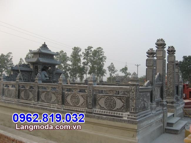 Tường rào đá khu lăng mộ tại Kiên Giang