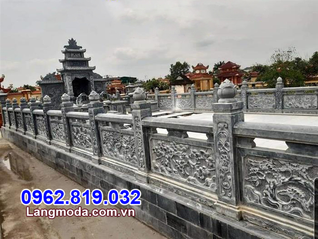 Tường rào đá khu nhà mồ gia đình tại Kiên Giang