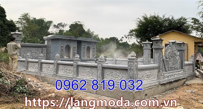 Hàng rào nhà mồ bằng đá xanh rêu, hàng rào lăng mộ bằng đá xanh rêu