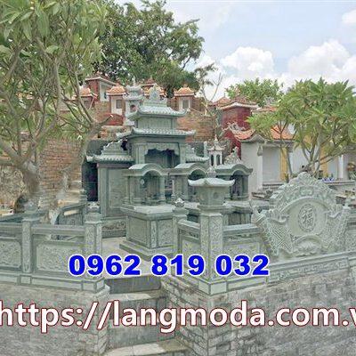 Mẫu tường rào lăng mộ bằng đá xanh rêu