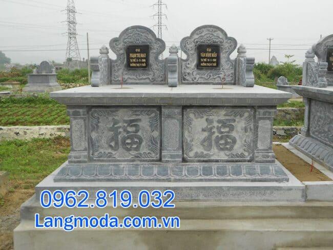 mộ đôi bằng đá tại Cần Thơ