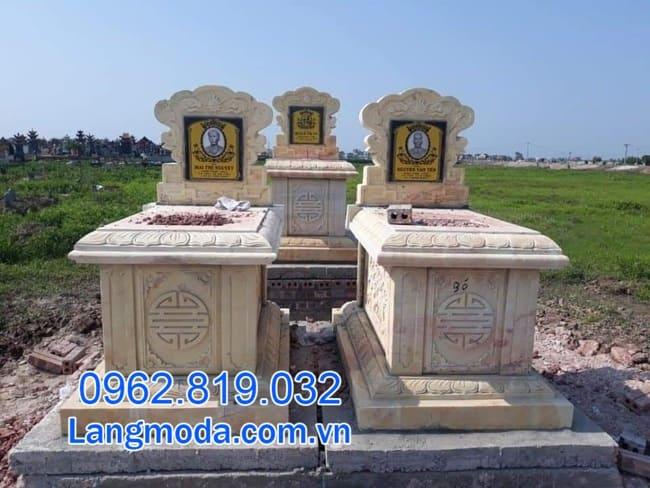 mộ đôi bằng đá vàng tại Cần Thơ