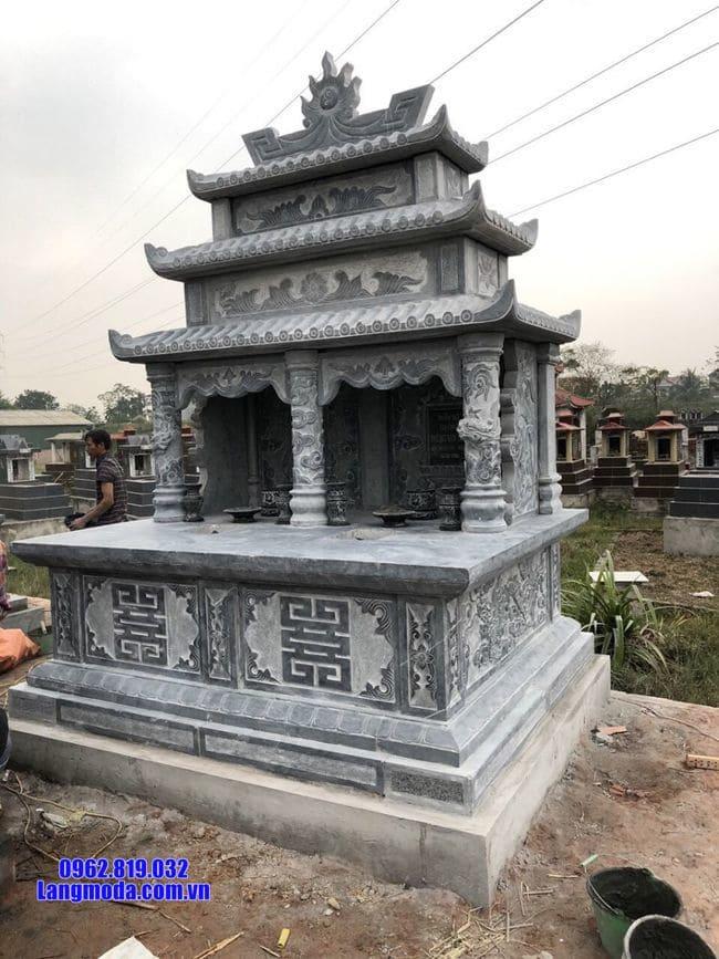 mộ đôi bằng đá xanh tại Cà Mau