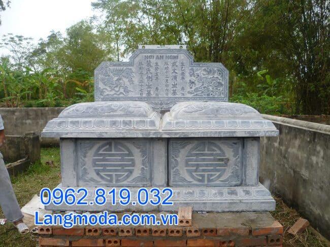 mộ đôi bằng đá xanh tại Cần Thơ