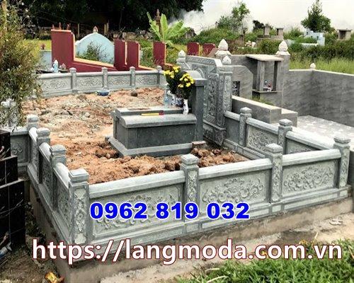 tường rào bao quanh khu mộ đẹp
