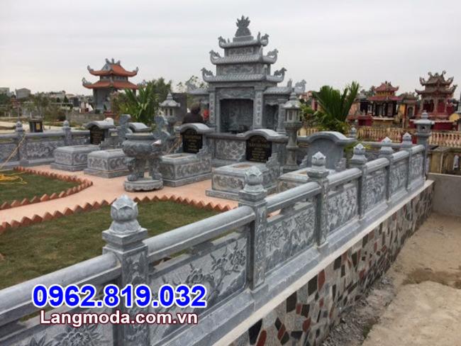 Hàng rào đá lăng mộ tại Tiền Giang