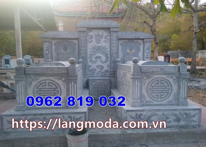 Mộ đôi tại Tây Ninh