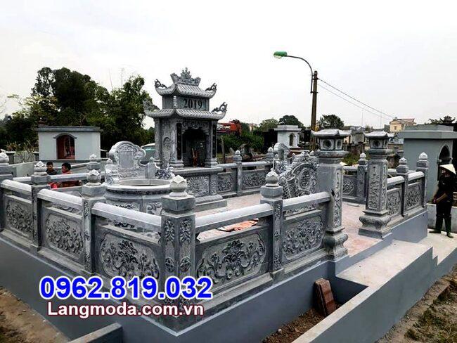 Tường rào đá lăng mộ tại Bình Thuận