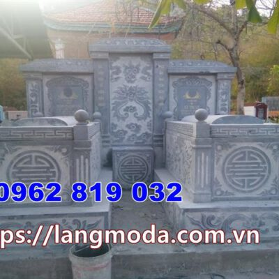 mộ đôi bằng đá tại Ninh Thuận