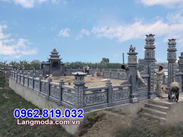 xây nhà mồ bằng đá xanh rêu tại Cà Mau