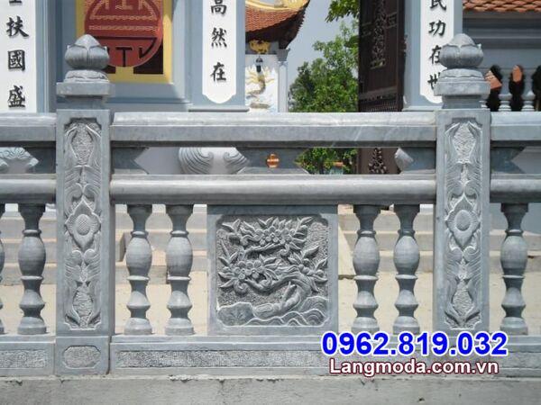 Hàng rào con tiện đá