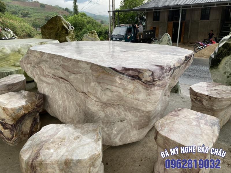 Mẫu bộ bàn ghế đá tự nhiên 02