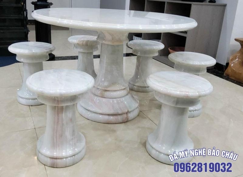 Mẫu bộ bàn ghế đá tự nhiên 04