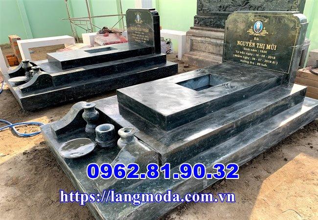 Lắp mộ đá xanh đẹp nguyên khối tại Vĩnh Long